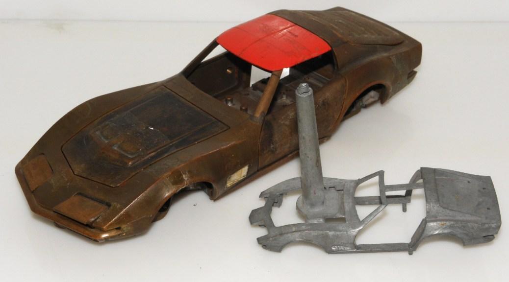 Tekno Chevrolet Corvette 1/25 et 1/43