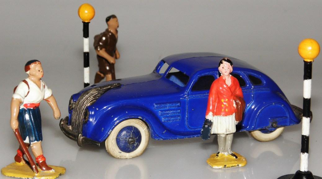 Dinky Toys Chrysler Airflow
