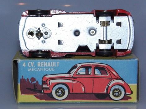 CIJ Renault 4cv '49 mécanique avec roulette directionnelle
