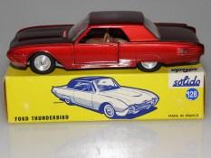 Rare couleur de Solido Ford Thunderbird avec phares moulés