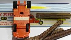 Dinky Toys Willeme fardier prototype en... bois et étiquette en anglais !
