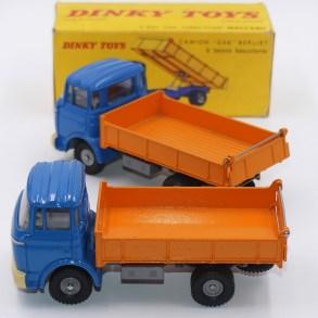 Dinky Toys Berliet Gak benne (benne lisse et striée)