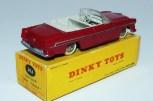 Dinky Toys Chrysler New Yorker avec intérieur ivoire