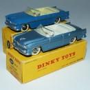 Dinky Toys Chrysler New Yorker bleu dur (essai de couleur ) et bleu métallisé (modèle de série)