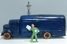 Barclay(?) camion avec caisse fourgon 1/43 !!! rare !