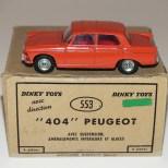 Dinky Toys Peugeot 404 avec aménagement intérieur (couleur de la série Junior)