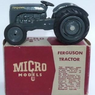 Micro Models (Australie) Ferguson avec sa boîte