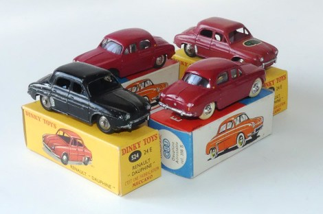 Renault Dauphine avec vitrage (C-I-J) et Dinky Toys