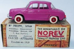 Norev rare Renault Dauphine avec suspensions (superbe couleur !)