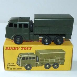 Dinky Toys Berliet T6 avec boîte Meccano et jantes convexe en zamac