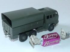 Dinky Toys Berliet T6 et papilotte..lequel choisissez vous?