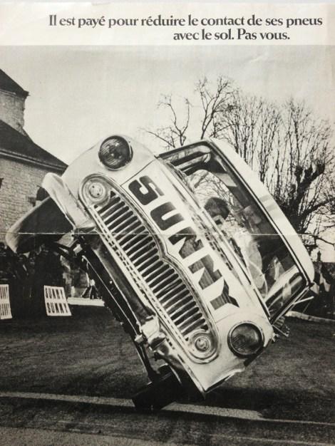 Jean Sunny et sa Simca Versailles en plein travail