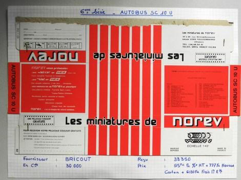 Norev Saviem SC10U socle rouge/blanc/noir