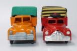 Muoval camion postes finlandaise (Finlande) et Vilmer Dodge camion bâché