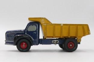Dinky Toys prototype en bois du Berliet GLR benne