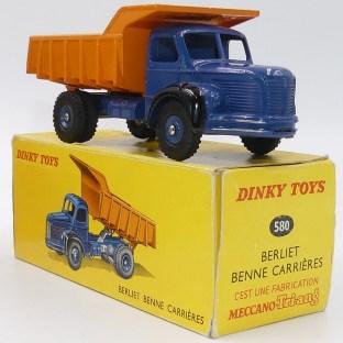 Dinky Toys Berliet GLR benne avec jantes concave et sans finition argent (boîte Meccano Tri Ang)