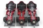 DinkyToys Berliet GLR plateau avec jantes concaves et pneus à section ronde (gauche) et carré (droite)