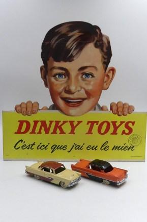 Dinky Toys : les panneaux carton quelle merveille ! presque aussi beau que ces 2 Belvedere