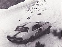 la Ford Mustang d'Henri Chemin et de Claude Lelouch au rallye de Monte Carlo 1966