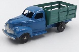 Dinky toys France Studebaker maraicher (grande équerre)