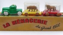 """Minialuxe ensemble """" roulotte du cirque"""" (camion d'origine anglaise) """"la ménagerie de Bill"""""""
