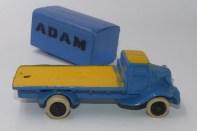 "Micro White camion plateau container ""Adam"""