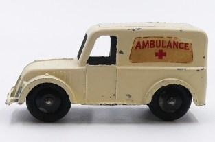Charbens Morris ambulance