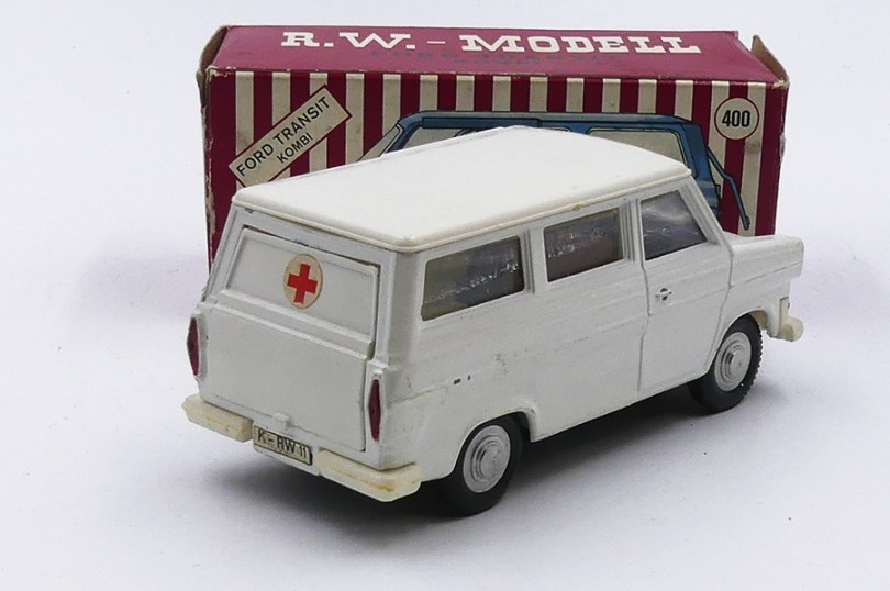 RW-Modell Ford Transit ambulance