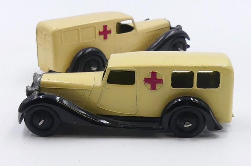 Dinky Toys Bentley ambulance versions d'après guerre