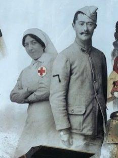 l'infirmière en vedette ! affiche du musée de la Grande Guerre. 1914-1918