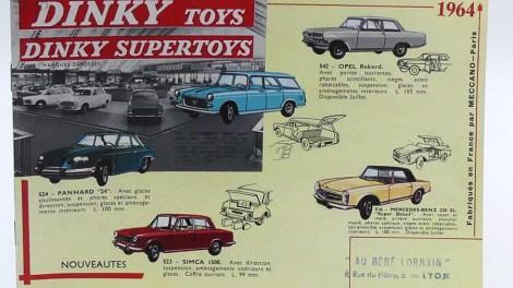 """catalogue Dinky Toys France avec le tampon du magasin """"au Bébé Lorrain"""""""