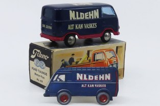 """Tekno Ford Taunus """"N.L Dehn"""" avec une carte publicitaire figurant un Renault 1000Kgs !"""