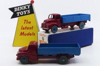 Dinky Toys prototype bois Austin ridelles et Leyland Comet ridelles