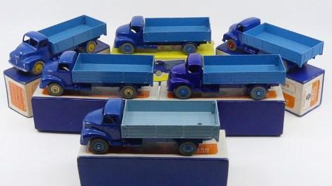 Dinky Toys Leyland Comet ridelles deux tons de bleu : variantes !