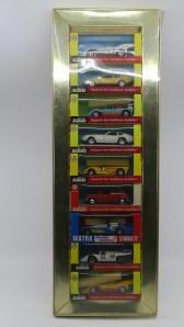 """coffret """"Luxe"""" avec 9 véhicules de la série 100 et 10 avec son couvercle transparent"""