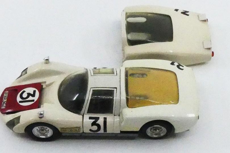 Dinky Toys Porsche Carrera 6 longue Le Mans 1966 avec les deux capots