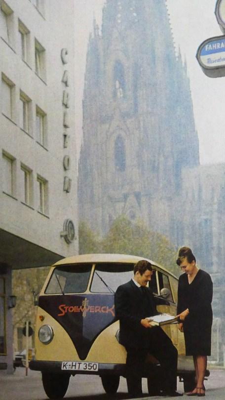 catalogue publicitaire Volkswagen : un Kombi à Cologne