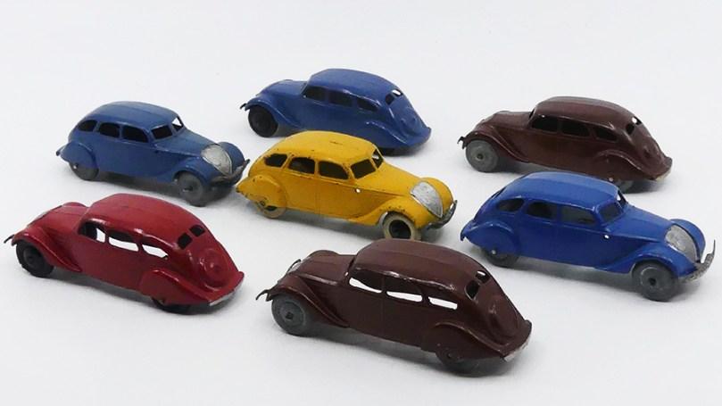 Dinky Toys Peugeot 402 versions avant-guerre et après-guerre