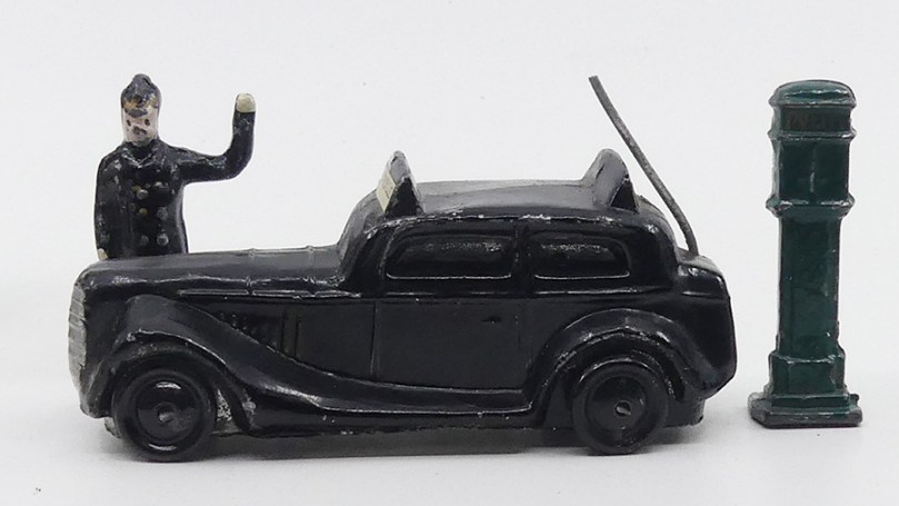 DK (inconnu) auto de police danoise patruille avec policier danois