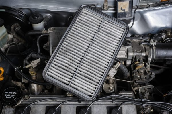These Are Signs That Tell You It's Time to Change the Engine Air Filter