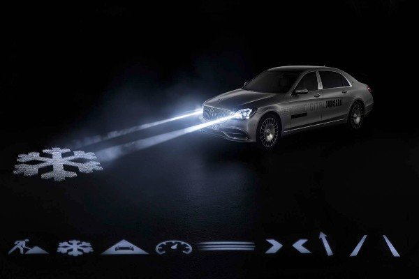 See How Mercedes-Benz Futuristic Headlights Communicates With People