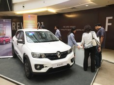 renault-kwid-at-45th-automall-kurla-mumbai