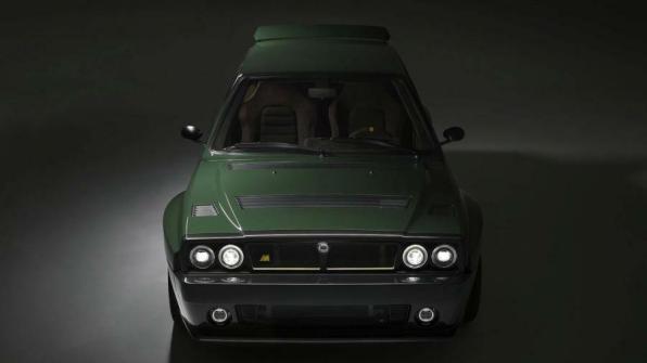 Lancia Delta Futurista teška je 1.250 kg, a motor joj ima okruglo 330 KS