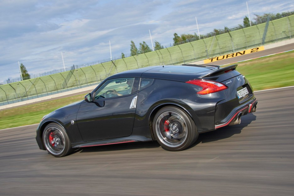 370Z NISMO on Track