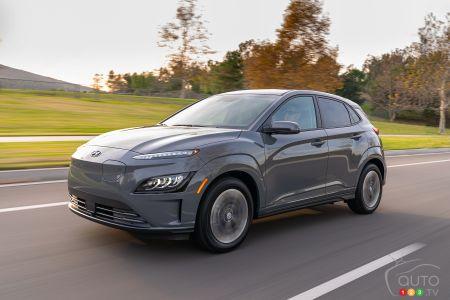 2022 Hyundai Kona Electric, three-quarters front