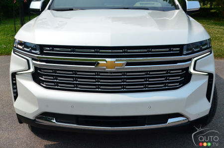 2021 Chevrolet Suburban Duramax, front grille