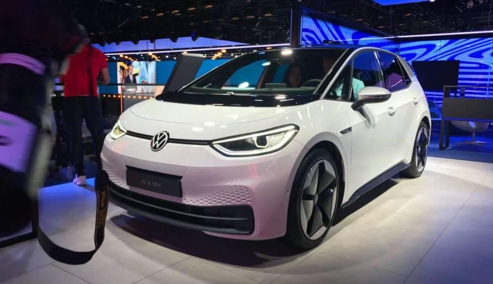 1632623478_VW-ID.3-Frankfurt-2019-show-pics.jpg