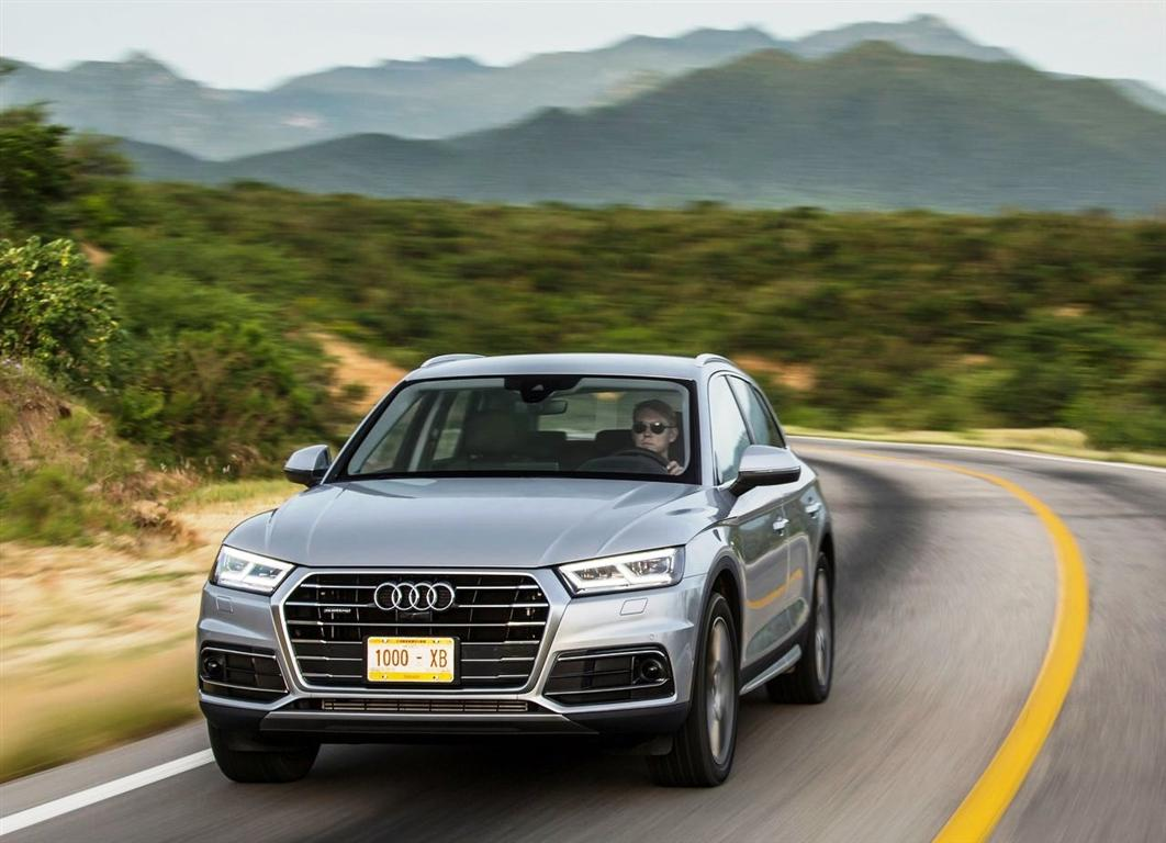 New Audi Q5 Hybrid - Best Small Luxury SUV