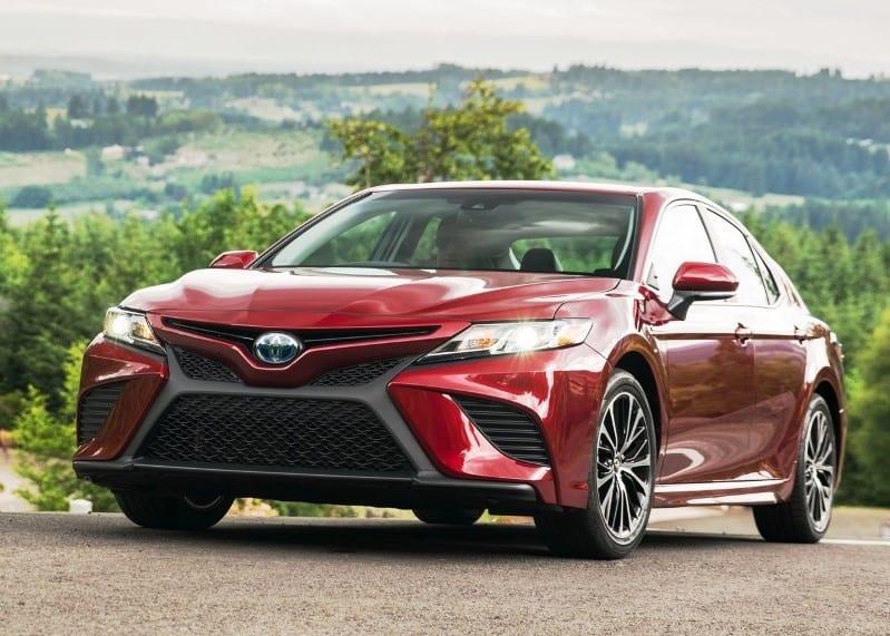 2021 Toyota Camry Hybrid Drivetrain & MPG