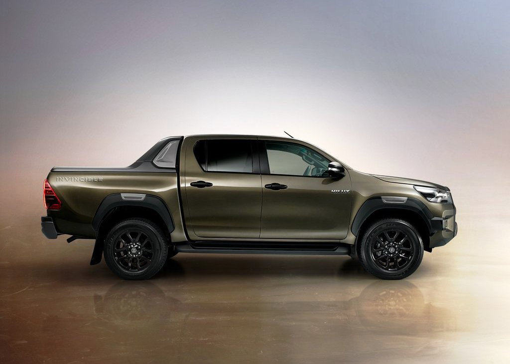 2021 Toyota Hilux DImensions